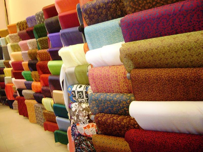 Van Phuc silk is an ideal gift for women