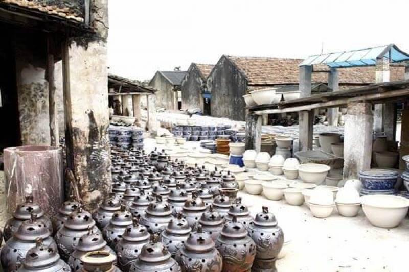 Bat Trang pottery village - a famous brand in Vietnam
