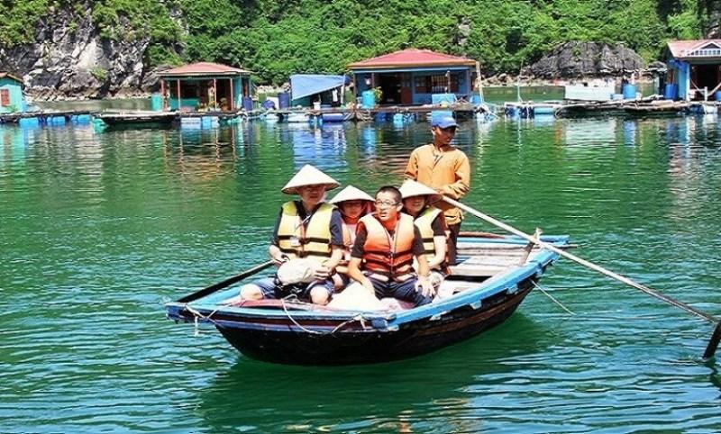 Vung Vieng fishing village - attractive tourist destination