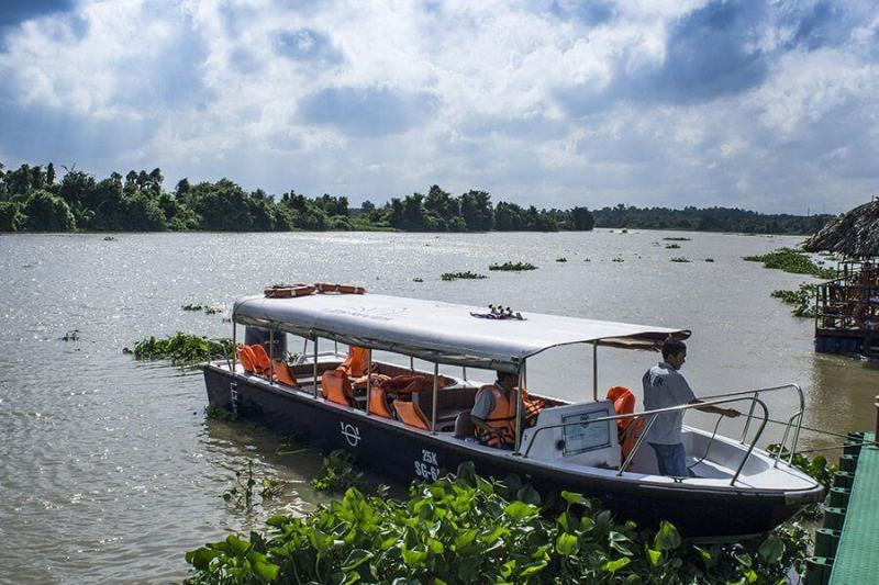 Experience Mekong Delta tour by speedboat
