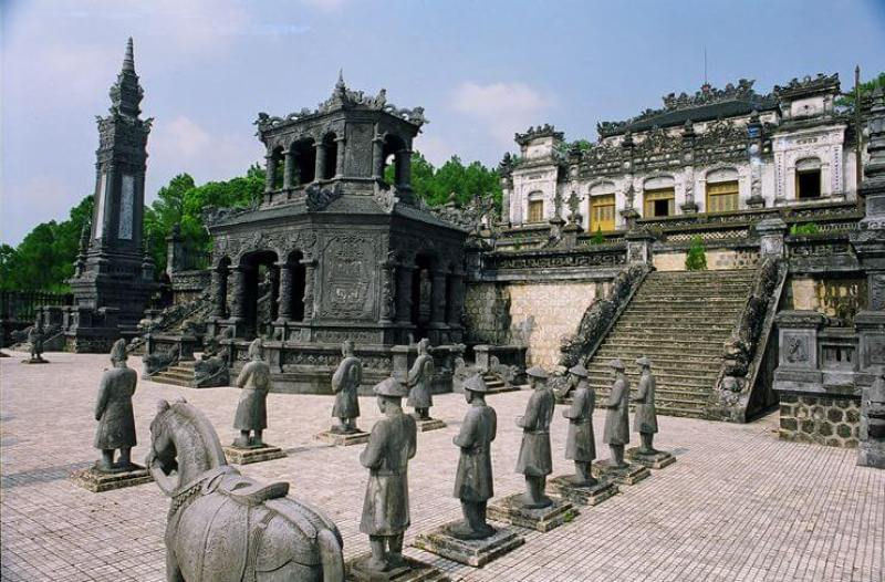 Khai Dinh Tomb - Unique architectural masterpiece of the Nguyen Dynasty