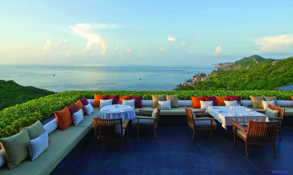 10 resorts have the best view in Vietnam 16