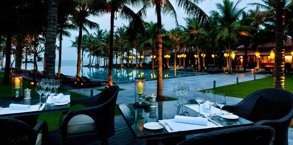 10 resorts have the best view in Vietnam 3
