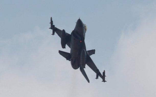 المقاتلات التركية تقصف مواقع لـ