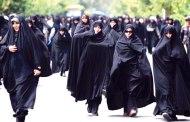 إيران تخفض القيود المفروضة على لباس المرأة