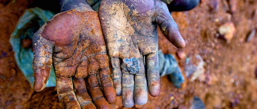 Telefonlarımızdaki Kan: Koltan Madeni