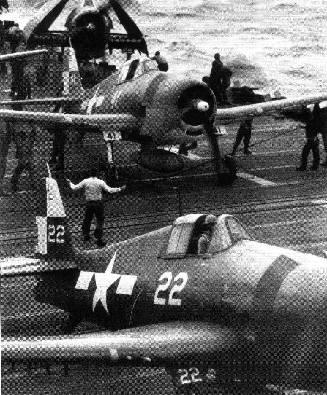 Asisbiz CV 12 USS Hornet II F6F 5 VF 17 22 USS Hornet 01