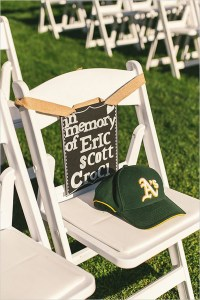 in-memory-of-wedding-ideas-at-ceremony-with-chalkboard-signs