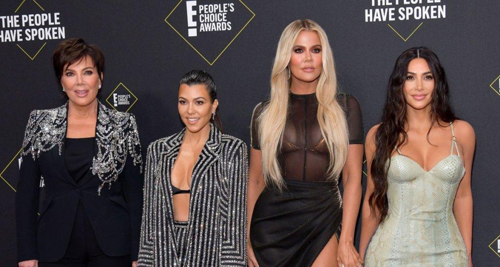People' s Choice Awards: Στυλιστικές «κόντρες» με πολλή λάμψη