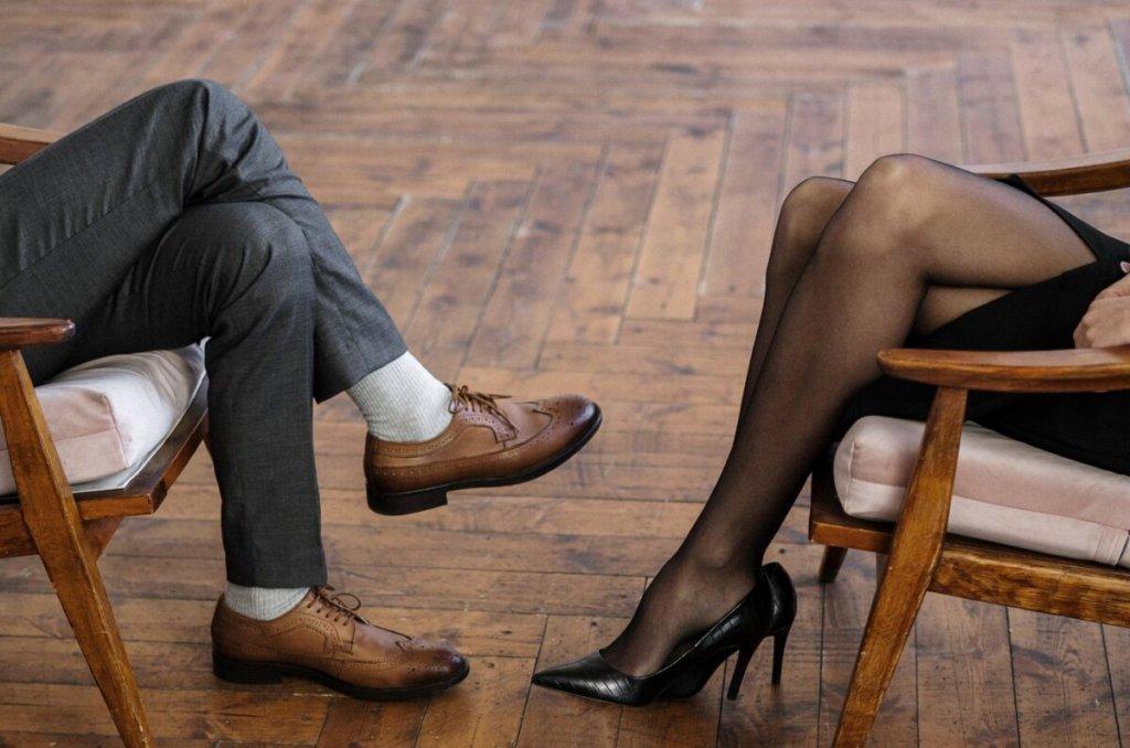 Γιατί οι γυναίκες το «παίζουν» δύσκολες;