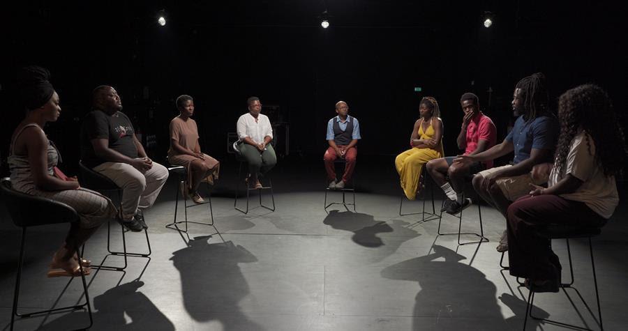 Στέγη: 9 Αφροέλληνες συζητούν τι σημαίνει «δεν μπορώ να αναπνεύσω» στην Ελλάδα;