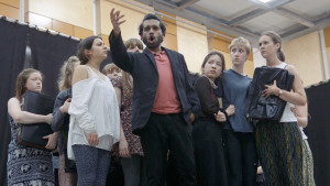 Kommilitonen  James Meredith (Oscar Castellino) with Chorus