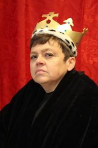 Sara Beer as Richard III..