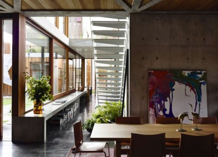 est-living-concrete-house-auhaus-architects-dining