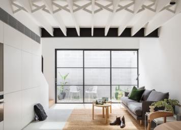 est-living-brad-swartz-loft-house-1