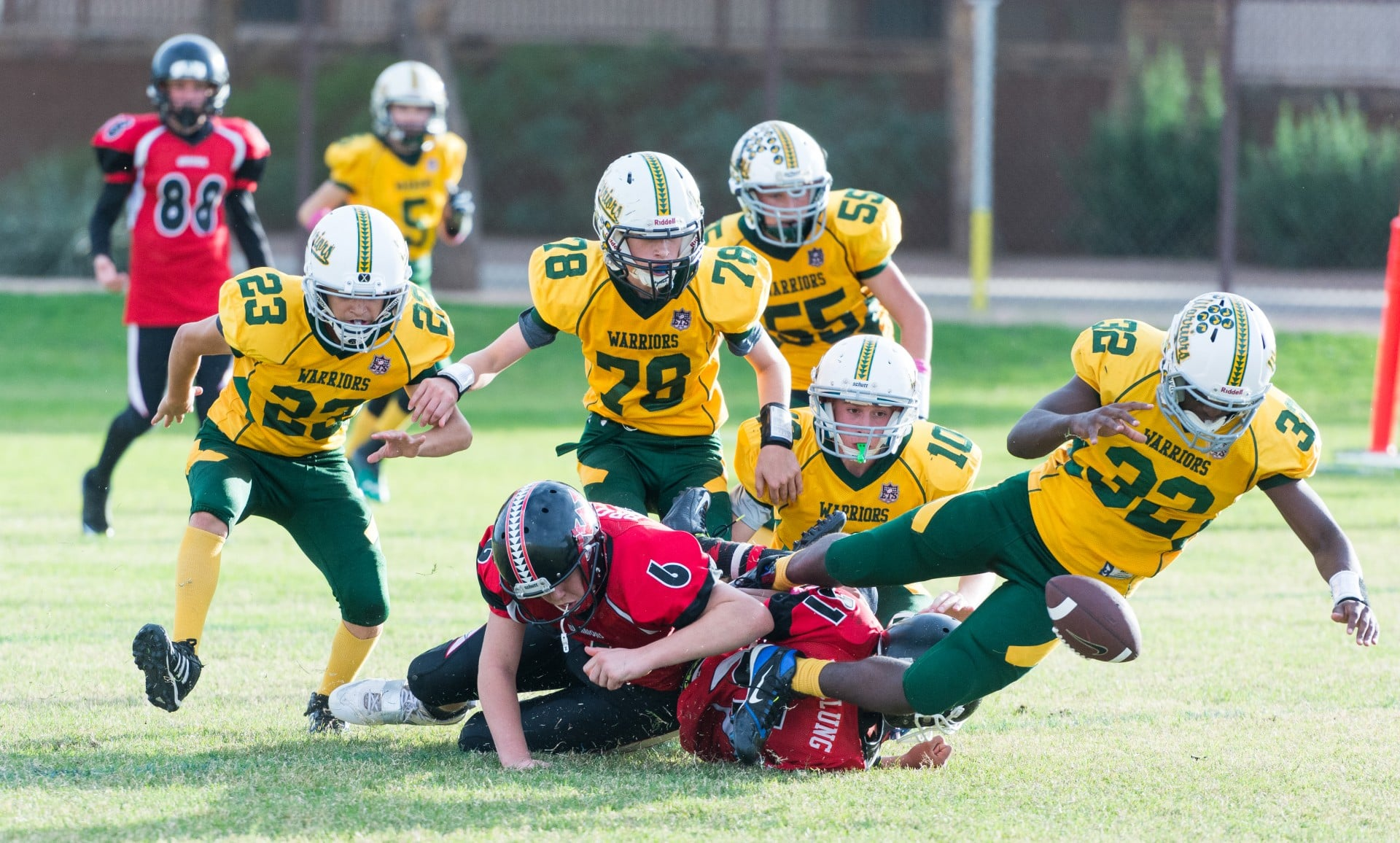 Youth Football Is Keeping Your Kid S In The Game Safe