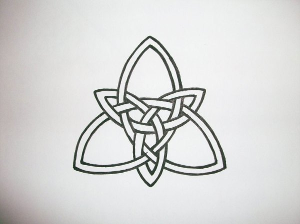 20 Celtic Heart Outline Tattoos Simple Ideas And Designs