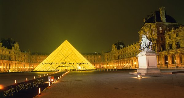 Beautiful Night Of Louvre Paris
