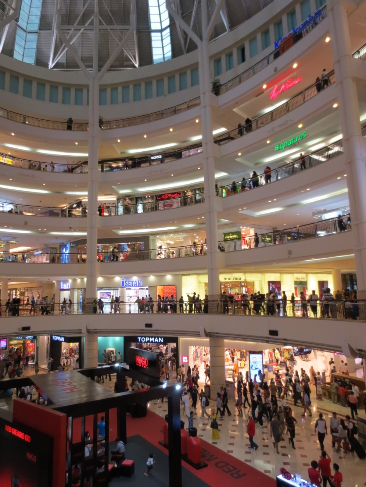 Shopping Mall Inside Petronas Towers Picture