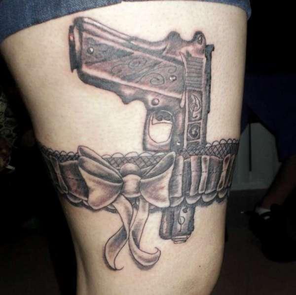 awesome garter tattoos