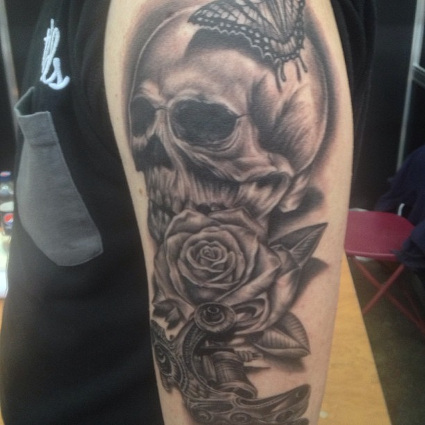 Skull And Rose Tattoo Sleeve