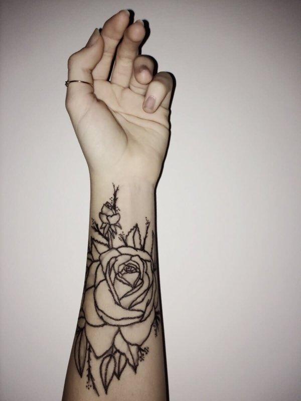 43 Beautiful Forearm Rose Tattoos