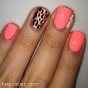 beautiful accent nail