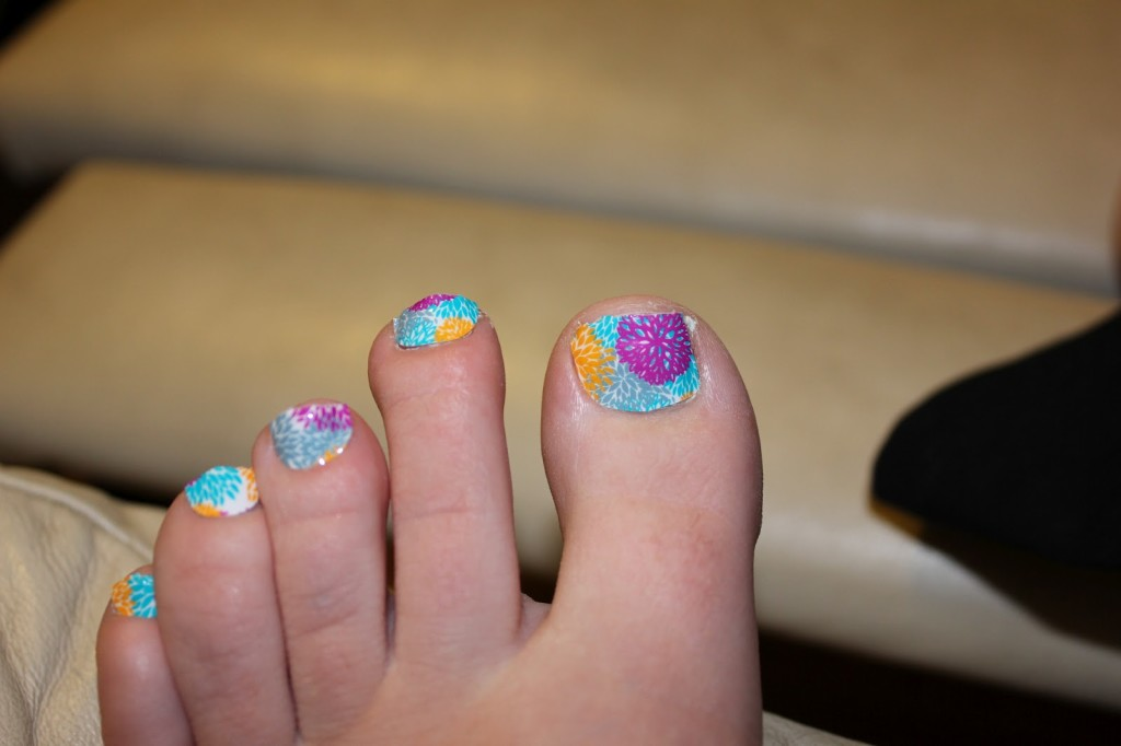 Amazing Aloha Flowers Nail Art For Toe