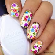 stylish flower nail art