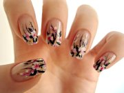 beautiful flowers nail