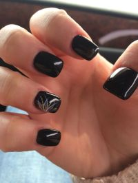 40+ Stylish Black Acrylic Nail Art Designs