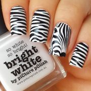 beautiful zebra print nail