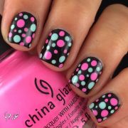 beautiful polka dots nail