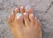 polka dots toe nail art
