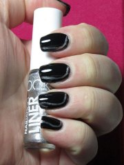 latest black nail art design