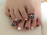 latest wedding toe nail art