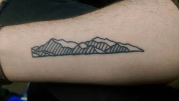 simple mountain tattoos collection