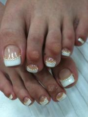 latest wedding toe nail art