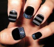 latest stripes nail art design