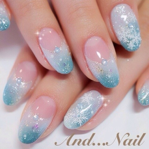 Blue And White Gel With Snowflakes Design Winter Nail Art