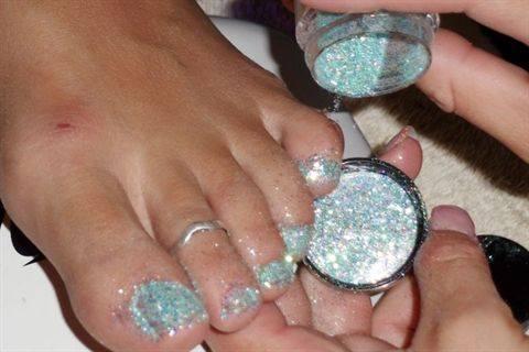 Silver Glitter Gel Toe Nail Art Tutorial
