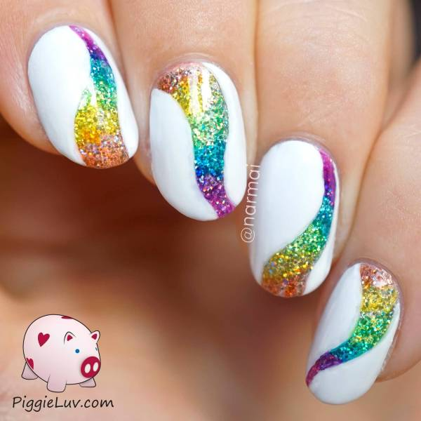 Beautiful Glitter Nail Art Design Ideas