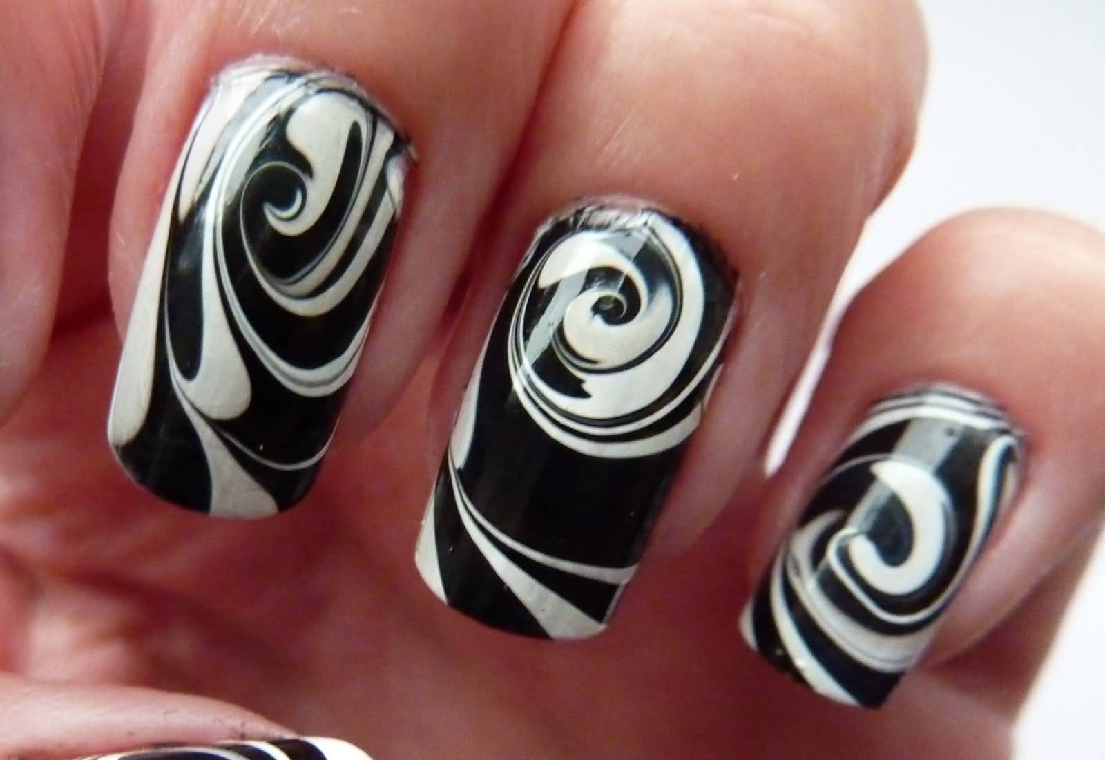 Black And White Spiral Design Water Marble Nail Art