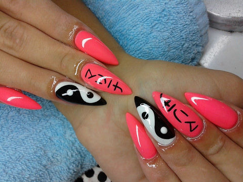 Black And White Yin Yang Pink Glossy Chinese Nail Art Design Idea