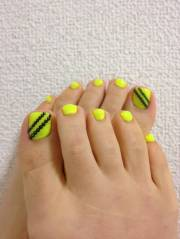 trendy neon yellow nail art