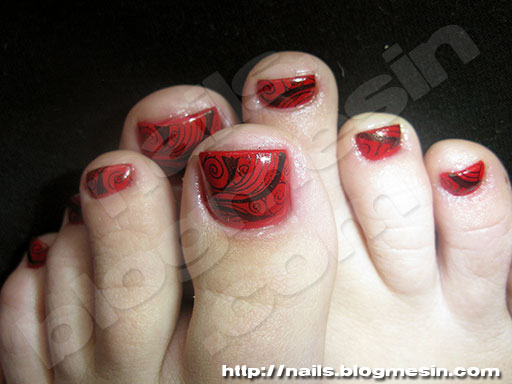 Red And Black Toe Nail Art Design