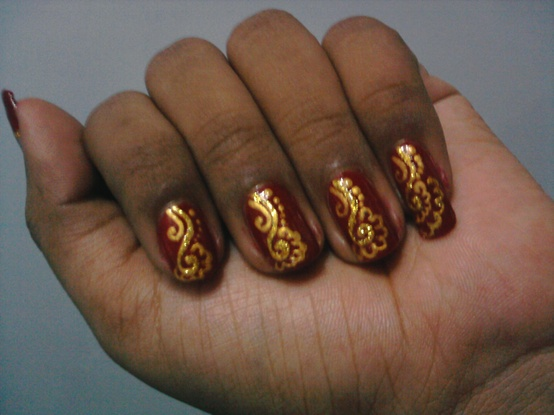 Gold Lines Designed Nail Art