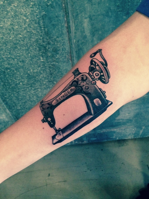 20 Sewing Machine Mens Tattoos Ideas And Designs