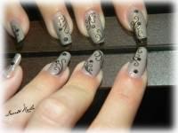 Nail Art Swirls - Communiquerenligne