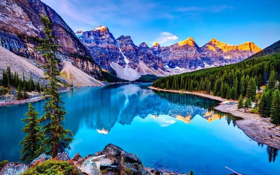 Beautiful Wallpaper Image Of Lake Louise In Canada